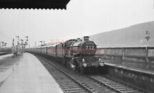 PHOTO  GWR LOCO  7016 ARRIVING AT SWANSEA RAILWAY STATION WITH THE DOWN PULLMAN