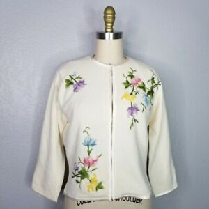 Vintage 50s 60s floral embroidered 3/4 sleeve lined sweater size small