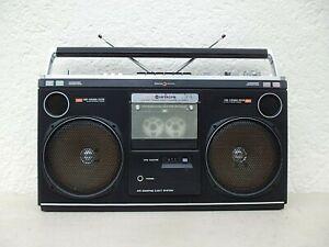 GHETTOBLASTER  HITACHI TRK -8080 E  STEREO RADIO RECORDER