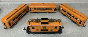 Lionel 268 Set (256 Locomotive, 710 Pullman, 710 Pullman, 712 Observation)