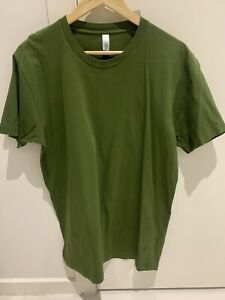 American Apparel T-Shirt Olive Size Large Mens