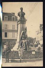 cpa Ecrite en 1909 FONTAINEBLEAU (Seine et Marne) MONUMENT CARNOT Enfants Vins