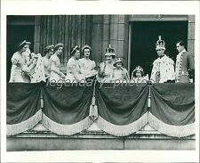1937 Royal Family After Coronation Original News Service Photo