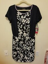 NWT Vince Camuto Scoop neck Floral Dress Size 8 Navy with print-C14