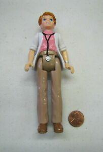"New PLAYSKOOL Dollhouse 5.75"" WOMAN DOCTOR NURSE MOM People Doll Poseable 1994"