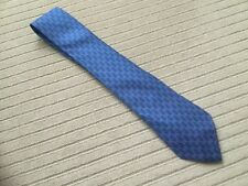 hermes extra fine blue wool tie with H dotted design in good condition