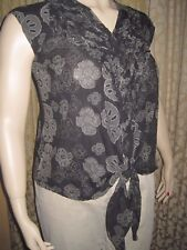 Beautiful Black & Silver Size M Floral Front Tied Short Sleeved Cotton Top