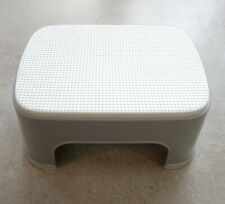 BabyBjörn toilet training non-slip safe step stool, grey with white trim