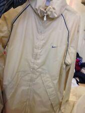 Nike RAIN JACKET a medio da uomo 38/40AT £ 15 in (ca. 38.10 cm) Beige Foderato Nuovo Con Etichetta