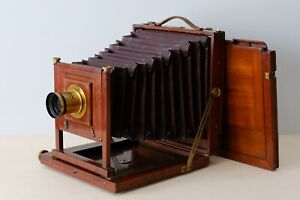 Full plate mahogany large format camera with rapid aplanat brass lens