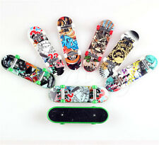 2X Mini Skateboard Finger Board Skate Boarding Model Toy Party Kid Children Gift
