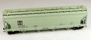 Athearn 4-Bay ACF Covered Hopper ATSF #307288 1/87 HO Scale