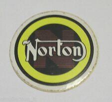 VECCHIO ADESIVO MOTO ORIGINALE / Old Original Sticker NORTON (cm 4,5)