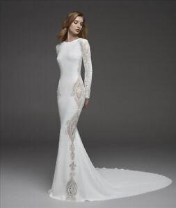 Atelier Pronovias ''Condesa'' wedding dress with sleeves UK - 12