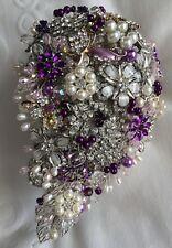 Torre auto joyas corazón lilas crema autodeko boda arte flores herradura