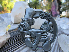 """Alice in Wonderland 3D Hat Pin Mad Hatter Blotter Art Image 1.75"""" Hippie Fashion"""