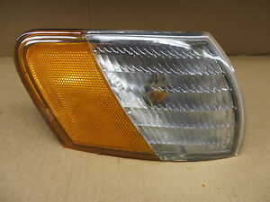 FORD TAURUS 92-95 1992-1995 CORNER LIGHT PASSNGER rh right noe