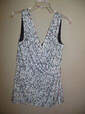 H&M Women's Size Medium Sleeveless Black & White Lined Blouse