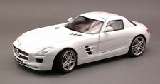 MERCEDES SLS AMG 2010 WHITE 1:18 MODEL Motormax