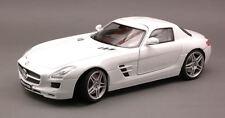 Mercedes SLS AMG 2010 White 1:18 Model MOTORMAX