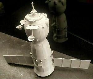 3d printed Russian Soyuz MS Spacecraft spaceship 1:32