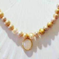 Sehr schöne naturbraune Perlenkette mit Feueropal
