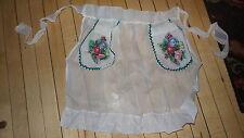 Vintage HALF APRON White Organdy, Applied Floral on Pockets, Green Rick Rack
