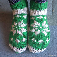 Hand Knitted Woollen Socks - Nepalese Warm Unisex Green White Room & Bed Shoes