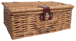Natural Wicker Traditional Christmas Gift Hamper Basket with Lid 30x23x12cm