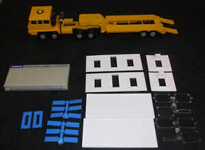 vintage Solido 305 Berliet TRANSPORT EXCEPTIONNEL Toy Flat Bed Truck w/ Load