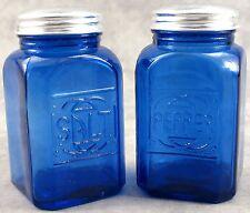 COBALT BLUE GLASS EMBOSSED SALT & PEPPER SHAKER SET ~ RANGE SIZE ~
