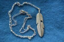 Bijoux fantaisie collier pendentifs sautoir plume d'indien argenté breloque