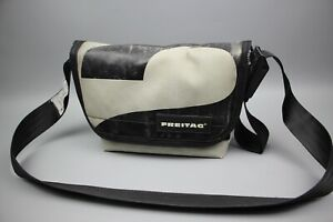 FREITAG F41 Vintag Messenger Gray/Black Used Pvc bag Size Small