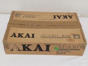 AKAI AT-A301 AM/FM QUARTZ Synthesizer Tuner in Box
