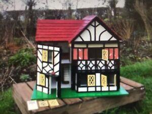 Vintage Tudor Dolls House Collectors~Large 51X51X26