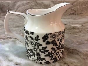 Grace's Teaware Creamer Dish. Black & White Floral. Pretty. Holds 1.5 Cups. New.