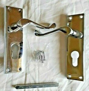 CARLISLE BRASS Door Handle Pair - Scroll Lever Lock - Polished Chrome DL54YCP
