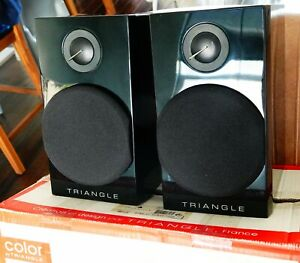 "Triangle Bookshelf Speakers model name ""COLOR"" Piano Black, made in France, 2011"