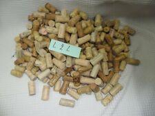 250 bouchons de vin en liège pour bricolage, décoration etc..état voir photo.