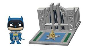 Batman & Hall of Justice DC Funko Pop! Town No. 9 Vinyl Figure