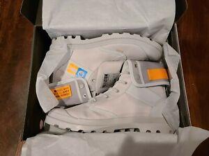 Destiny x Palladium Pampa Baggy Moon Boots Shoe Light Gray Size 13 Bungie - New