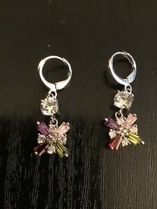 D1 Lovely multi colour crystal dangle silver tone square earrings 2cm drop