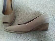 Ladies Clark's shoes Size 3 Wide Fit