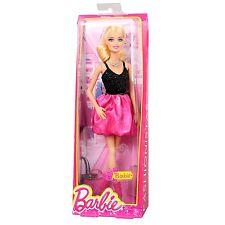 Mattel BCN37 BARBIE Puppe Life in the Dreamhouse Barbie im Glamour Ballon-Kleid