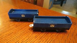 Thomas & Friends Trackmaster Train Lot of 2 Blue Logging Freight Cargo Cars 2009