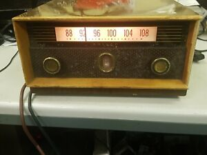 Philco FM Valve Tuner Model A3720 1957.   POWER TESTED ONLY.