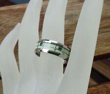 Ring Edelstahl silber nachtleuchtend Herz Herzschlaglinie Edelstahlring 18,1 mm.
