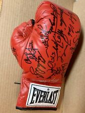 EVERLAST BOXING GLOVE SIGNED BY 19 JOE FRAZIER NORTON GRIFFITH HEARNS GAVILAN