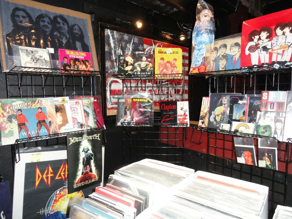STEVE`S RECORDS, POSTERS AND STUFF