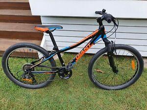Giant XTC JR Mountain Bike 24 Inch